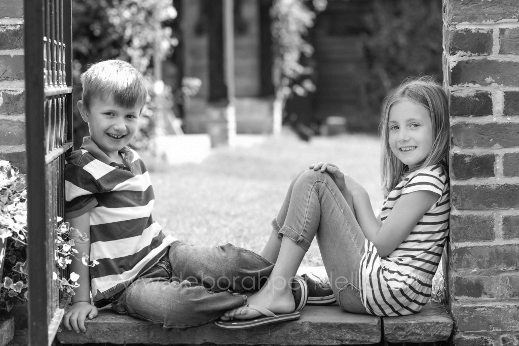 children outdoor photography natural light candid reportage family portraits colchester chelmsford sudbury essex suffolk